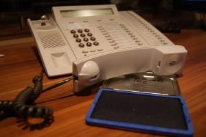 Telefon mit Stempelkissen